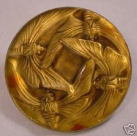 LaliqueButton2276.jpg