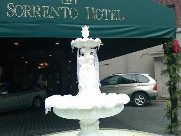 Sorrento-Frozen-Fountain.jpg